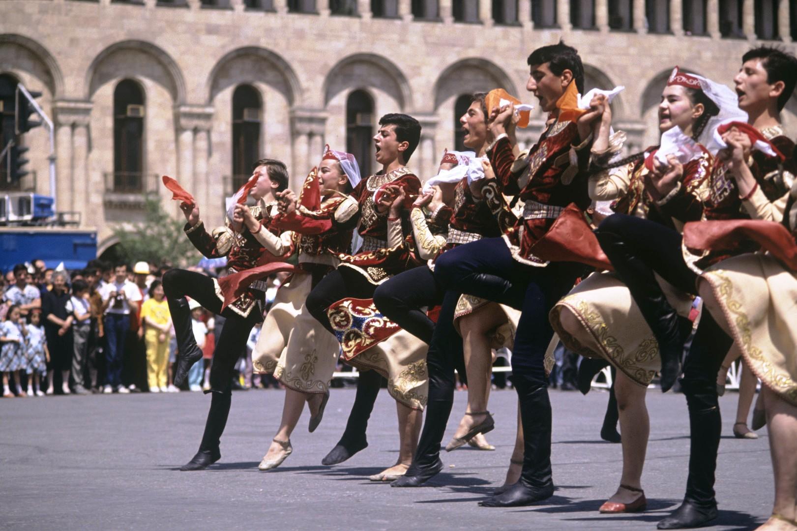 Туры в Армению в сентябре. Армянское Бюро Путешествий