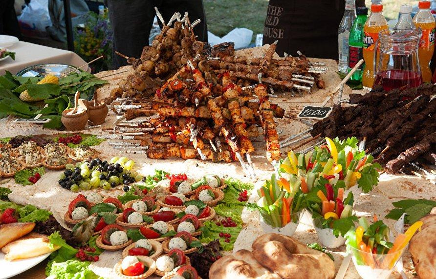 Туры в Армению в сентябре. Фестиваль шашлыка в Армении. Армянское Бюро Путешествий